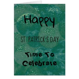 Tarjeta Globos del verde del día de St Patrick feliz