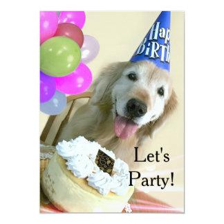 Tarjeta Golden retriever con cumpleaños de la torta y de