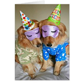 Tarjeta Golden retriever en cumpleaños de los pijamas