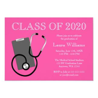 Tarjeta Graduación médica del rosa de la escuela de