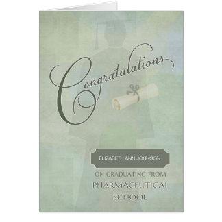 Tarjeta Graduado farmacéutico de la enhorabuena con nombre