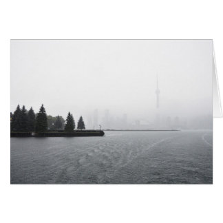 Tarjeta Horizonte del puerto de Toronto en la lluvia
