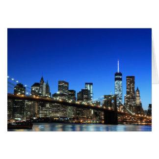 Tarjeta Horizonte en las luces de la noche, New York City