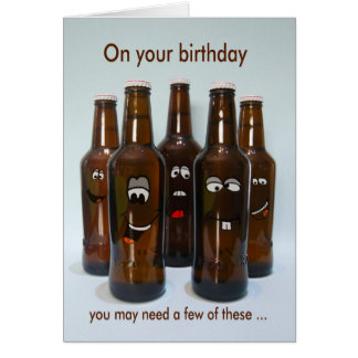 Tarjeta Humor de la cerveza del cumpleaños que consigue