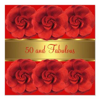Tarjeta Invite al oro 50 de las flores del rojo y fabuloso