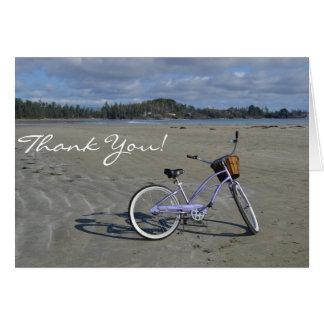 Tarjeta La bicicleta en la playa le agradece cardar