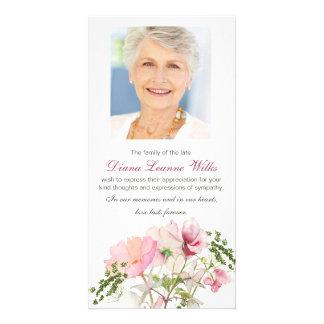 Tarjeta La condolencia fúnebre floral suave le agradece