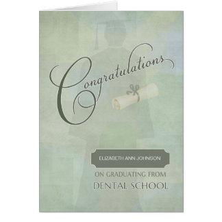 Tarjeta La enhorabuena gradúa grado dental con nombre