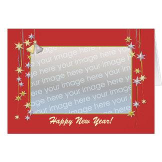 Tarjeta La Feliz Año Nuevo protagoniza el rojo (el marco