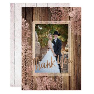 Tarjeta La foto color de rosa de madera rústica del boda