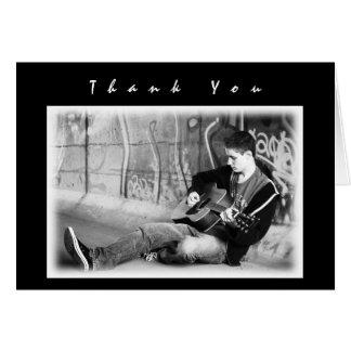 Tarjeta La foto negra moderna de los muchachos le agradece