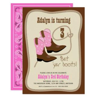 Tarjeta La vaquera rosada patea a la fiesta de cumpleaños