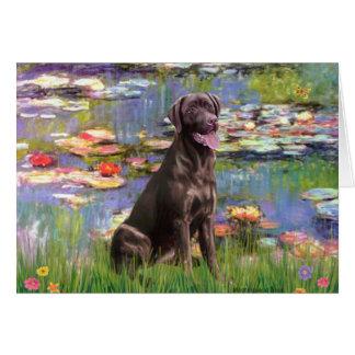 Tarjeta Labrador (Chcolate) - lirios 2