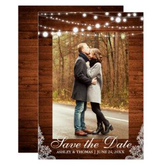 Tarjeta Las luces de madera del cordón del boda rústico