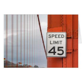 Tarjeta límite de velocidad de la puerta de oro
