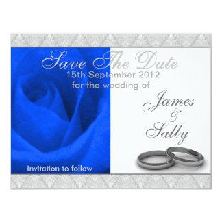 Tarjeta Los anillos de bodas color de rosa y azules