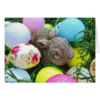 Tarjeta Los huevos de Pascua, conejo, pastel colorearon
