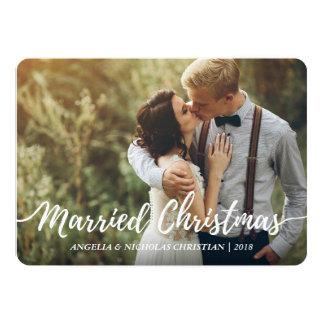 Tarjeta Los recienes casados elegantes casaron la foto de