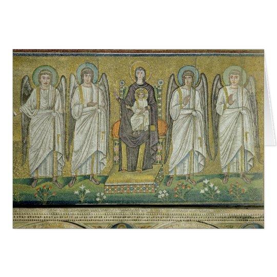 Tarjeta Madonna y niño enthroned por ángeles