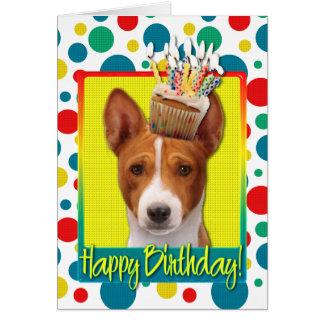 Tarjeta Magdalena del cumpleaños - Basenji