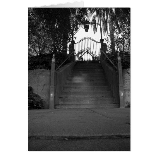 Tarjeta misteriosa de la escalera