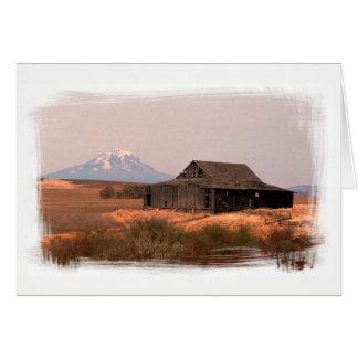 Tarjeta Mt. Adams y granero del rancho del país
