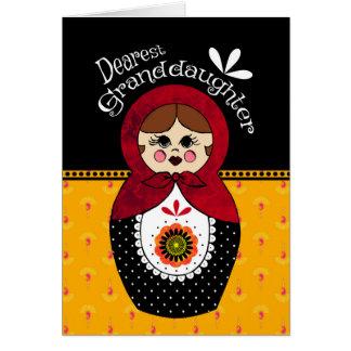 Tarjeta Muñeca de Babushka del cumpleaños de la nieta