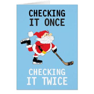 Tarjeta Navidad patinador de Santa del hockey que lo
