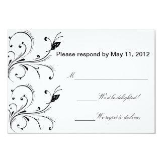 Tarjeta negra blanca simple de RSVP de la mariposa Comunicados