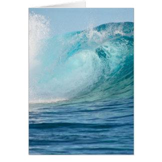 Tarjeta Onda grande del Océano Pacífico que rompe la