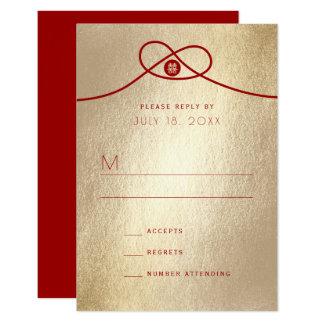 Tarjeta Oro rojo del nudo de la felicidad doble que casa
