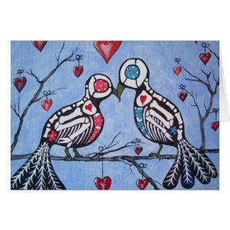 Tarjeta Pájaros del amor en un día del árbol del corazón