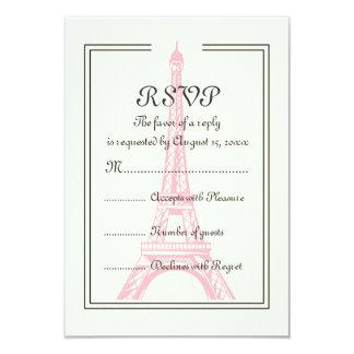 Tarjeta París que casa la torre Eiffel rosada en la