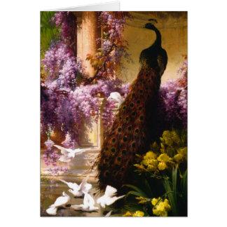 Tarjeta Pavo real y palomas en un jardín