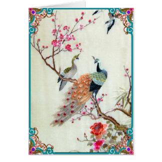 Tarjeta Pavos reales y flores del ciruelo