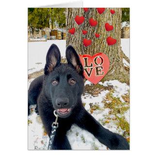 Tarjeta Perrito negro de GSD con los corazones y la