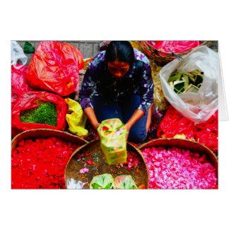Tarjeta Pétalos de la flor para ofrecer, Bali