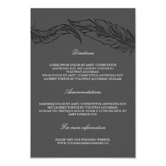 Tarjeta Plumas elegantes grises que casan los detalles