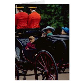 Tarjeta Príncipe Guillermo y princesa Diana en la alameda