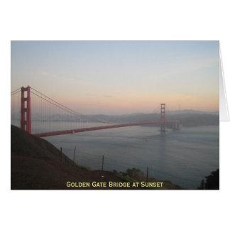 Tarjeta Puente Golden Gate en la puesta del sol