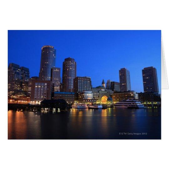Tarjeta Puerto y horizonte de Boston.  Boston es uno de