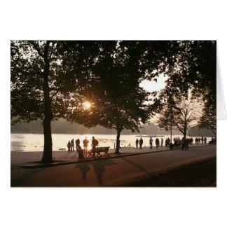 Tarjeta Puesta del sol en Hyde Park