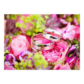 Tarjeta Ramo del boda con las bandas del anillo de bodas