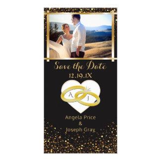 Tarjeta Reserva elegante de los anillos de bodas del oro