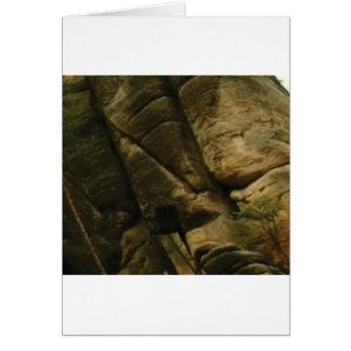 Tarjeta rocas grises del estruendo