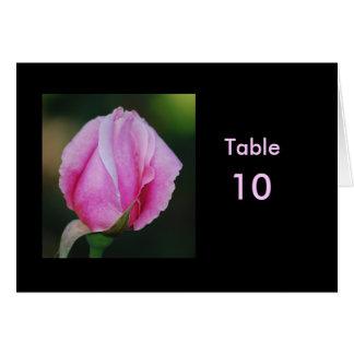 Tarjeta rosada de la tabla del capullo de rosa
