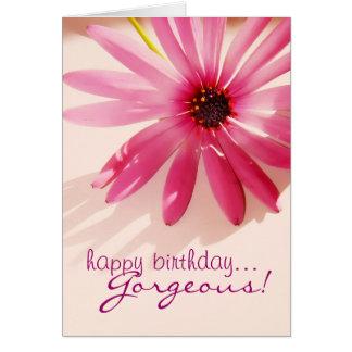 Tarjeta rosada magnífica de la flor del feliz cump