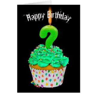 Tarjeta signo de interrogación de la vela del cumpleaños