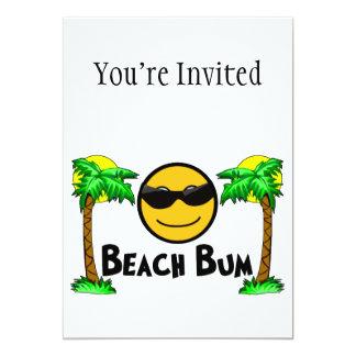 Tarjeta Sol y palmeras del vago de la playa