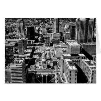 Tarjeta St. Louis, MES céntrico